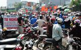 Hàng ngàn người xuống đường phản đối khai thác cát
