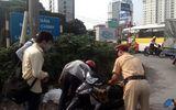 Người đàn ông thoát nạn nhờ CSGT Hà Nội giúp đỡ