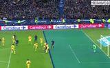 """Bàn thắng việt vị mười mươi của Benzema """"giết chết"""" Ukraine"""