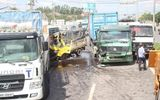 4 xe tải đâm liên hoàn, phụ xe chết tại chỗ
