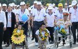 Chủ tịch nước Trương Tấn Sang tham gia đi bộ ủng hộ trẻ khuyết tật