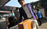 U23 Việt Nam cuống cuồng chống đói bằng… mỳ gói