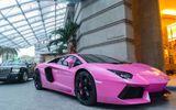 """Lamborghini Aventador """"dịu dàng"""" xuống phố trong sắc hồng"""
