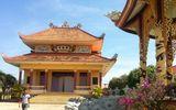 Kỳ lạ đàn rắn nghe kinh rơi lộp bộp trong ngôi chùa hơn 200 tuổi