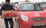 Dùng xe taxi để vận chuyển pháo lậu