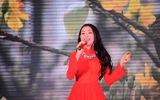 Trà Ngọc Hằng lột áo táo bạo trên sân khấu