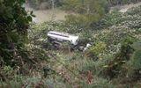 Va chạm với xe tải, xe bồn lao xuống vực, 1 người chết