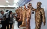 Mẫu tượng đài Chủ tịch Hồ Chí Minh mang vẻ thanh cao, giản dị