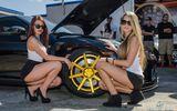 Bộ đôi người mẫu nóng rẫy cùng siêu xe