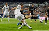 Ronaldo và những pha xử lý bóng tệ hại, hài hước nhất