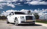 Siêu xe Rolls-Royce Ghost sang chảnh trong sắc trắng tinh khôi