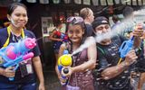 Hú hồn Tết té nước Songkran ở Thái Lan