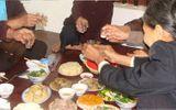 Quảng Bình: Gần 60 người bị ngộ độc sau khi ăn đám hỏi