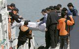 Chìm phà Sewol: Thi thể các học sinh đều bị gãy ngón tay