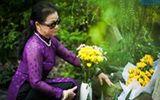 Khánh Ly về nước thăm mộ Trịnh Công Sơn