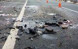 Tai nạn rợn người khi dừng xe giữa đường cao tốc