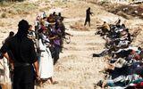 Khủng khiếp hình ảnh chiến binh ISIL sát hại binh sĩ Iraq