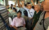 """""""Chuyến xe buýt"""" đáng xấu hổ của các bạn trẻ Việt Nam"""