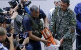 Chùm ảnh phe ly khai bàn giao hộp đen MH17 cho Malaysia