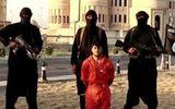 Phiến quân IS lại tung video cảnh chặt đầu một binh sĩ