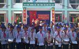 237 suất quà dành tặng học sinh nghèo nhân ngày khai giảng