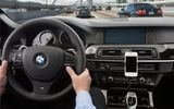 """Tính năng của iPhone dễ khiến lái xe """"gặp họa"""""""