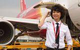 Ngắm nữ phi công xinh đẹp như người mẫu