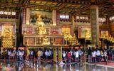 Đền thờ dát vàng phục vụ khách miễn phí ở Khu du lịch Đại Nam