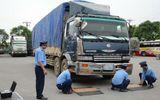 Mật phục bắt giữ 21 xe chở gỗ quá tải từ Lào về Việt Nam