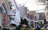Tai nạn hy hữu: Máy bay đâm trúng phòng ngủ nhà dân