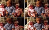 Clip: Hài hước cậu bé 2 tuổi nghệt mặt nhìn hai em gái sinh đôi