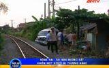 Video: Tàu hỏa kéo lê xe khách 12 chỗ ngồi Đồng Nai