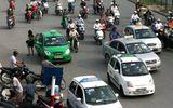 Chạy xe liên tục 4 giờ, gần 500 tài xế taxi bị thu phù hiệu