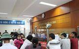 Hà Tĩnh: Dân đổ xô đi đổi giấy phép lái xe vì sợ hết hạn