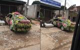 Chiếc xe dâu được trang trí nhiều hoa