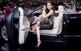 Hoa hậu Diệu Linh gợi cảm khó cưỡng bên siêu xe