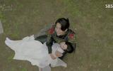 Người tình ánh trăng tập 19: IU kết hôn với em trai Lee Jun Ki, Seohyun tự vẫn