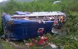 Quảng Nam: Lật xe khách lúc rạng sáng, gần 20 người thương vong