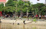 Tìm thấy thi thể hai mẹ con ôm nhau nhảy sông ở TP HCM