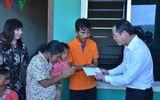 Đại sứ quán Việt Nam tại Campuchia thăm bé trai bị bạo hành