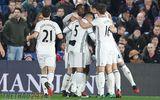 Ibrahimovic mang về ba điểm nghẹt thở trước Crystal Palace
