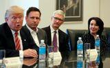 """Cuộc gặp """"oái oăm"""" giữa Donald Trump và các CEO công nghệ Mỹ"""