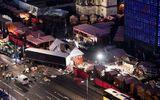 Hé lộ video ghi lại cảnh xe tải tốc độ 64km/h lao vào chợ Giáng sinh Đức