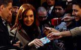 Cựu Tổng thống Argentina bị phong tỏa 880 triệu USD do cáo buộc tham nhũng