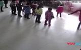 Phẫn nộ với clip giáo viên đánh đập học sinh dã man chỉ vì múa sai điệu