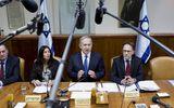 Thủ tướng Israel đối mặt với điều tra hình sự vì cáo buộc gian lận, hối lộ