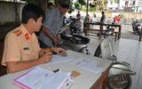 Người dân ồ ạt đi đăng ký xe trước ngày xử phạt xe không chính chủ