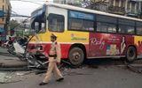 Phú Yên: Xe buýt mất lái đâm dải phân cách, 9 người bị thương