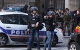 Pháp điều tra âm mưu khủng bố trong vụ tấn công gần bảo tàng Louvre