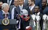 Ông Obama nhận quà trị giá 30.000 USD trong năm nhiệm kỳ cuối